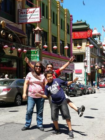 Chinatown: Nice colorful streets