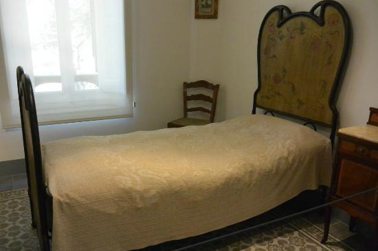Gaudi House Museum: 質素な家具