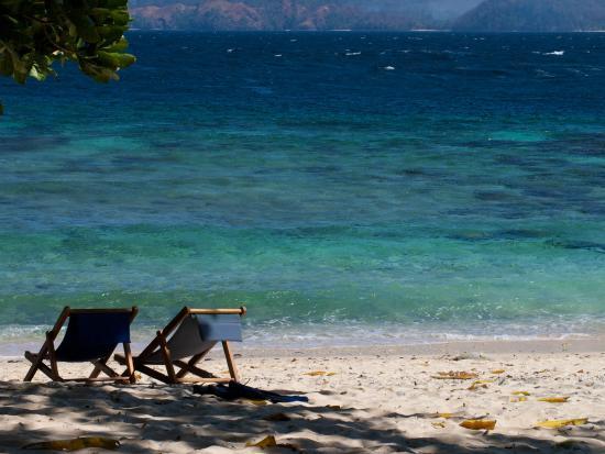 Murex Bangka Resort: Relaxing beach