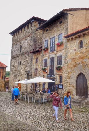 El Castillo: parrillada de verduras , cocido montañés