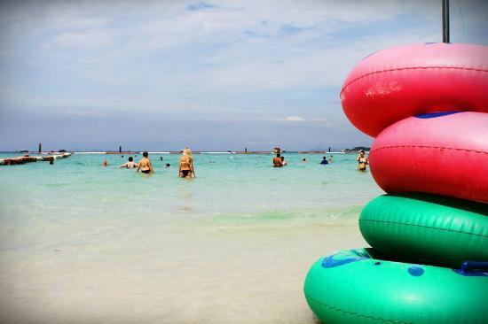 Koh Lan (Coral Island): Tawaen Beach
