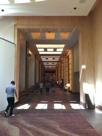 Delano Las Vegas: Entrance to the Delano from the Mandalay Bay