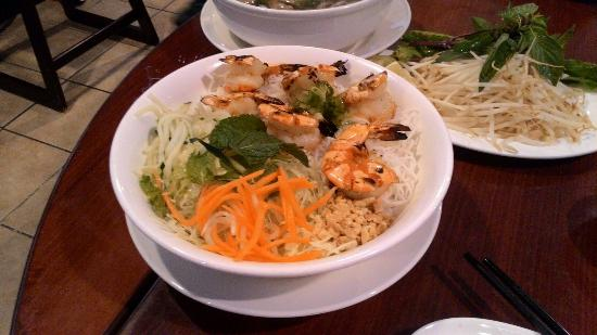 Pho 89: Bun with grilled shrimps