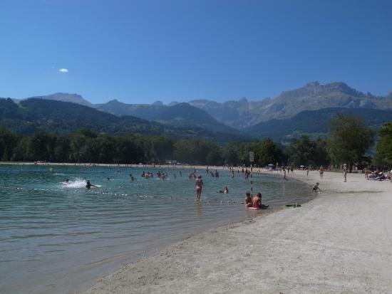 Lac Vert: The beach
