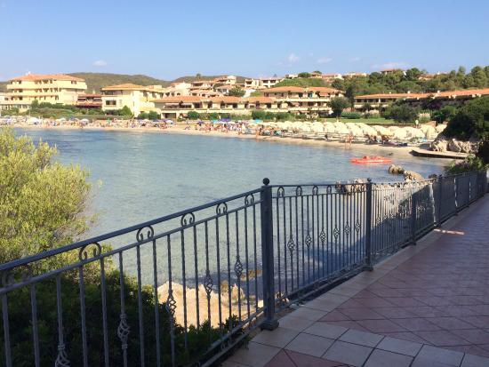 Hotel Gabbiano Azzurro: The walk to the beach