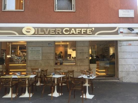 Silver Caffe: Strett view