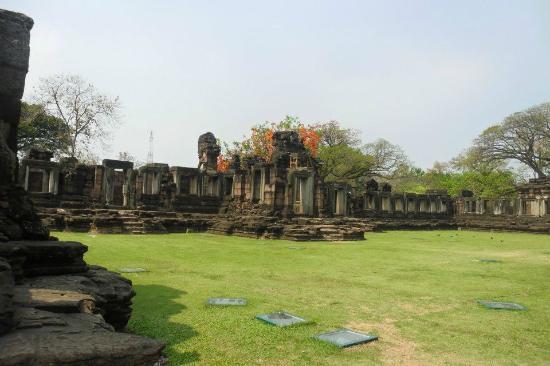 Prasat Hin Phimai (Phimai Historical Park): From my visit in january 2012