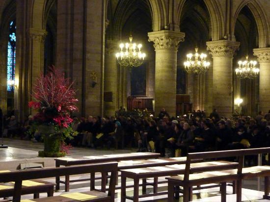 Notre Dame katedral: l'assemblée des chrétiens