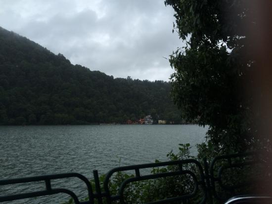 Nainital Lake: A beautiful lake near the mall road sunrise is too beautiful here you will never wanna to miss a