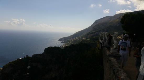 Villa Cimbrone Gardens: Vista dal Balcone dei Giardini