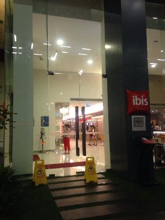 ibis Bangkok Siam Hotel: 交通便利,cp值高