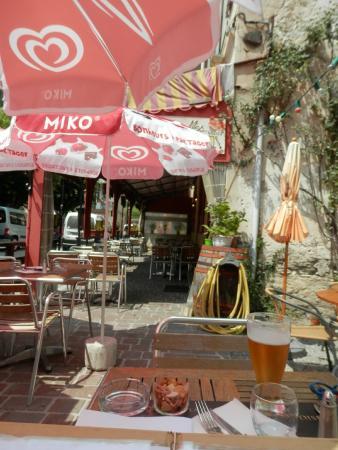 Le Miramonti: Au fond la terrasse couverte