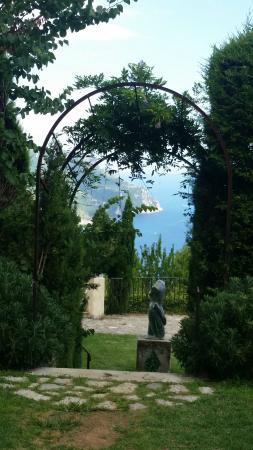 Villa Cimbrone Gardens: Scorcio dai giardini