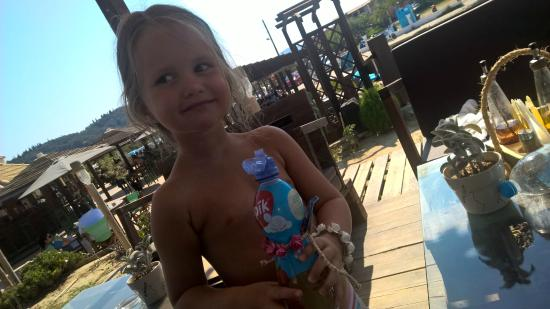 D'amour Beach Bar-Restaurant: Kids Friendly