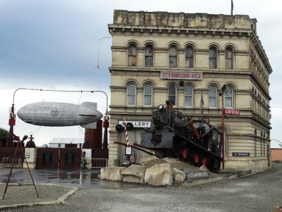 Steampunk HQ: Museum