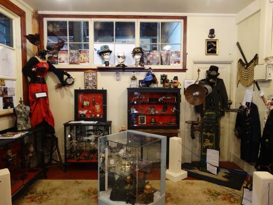 Steampunk HQ: Shop in Oamaru