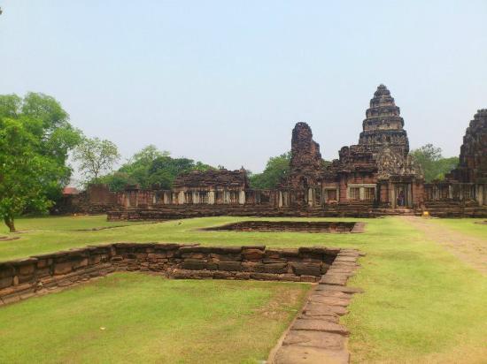 Prasat Hin Phimai (Phimai Historical Park): Prasat Hin Phimai april 2013