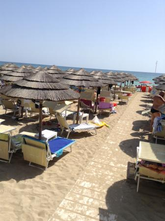 Zona Franca Lounge Beach: Lido zona franca