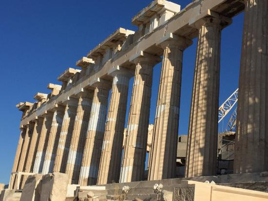 Akropolis: 青い空とのコントラスト