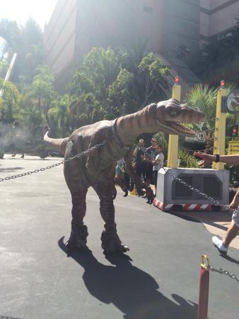 Universal Studios Hollywood: Zulu the dinosaur