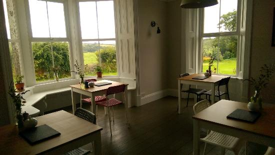 Moylegrove, UK: Breakfast room at Old Vicarage