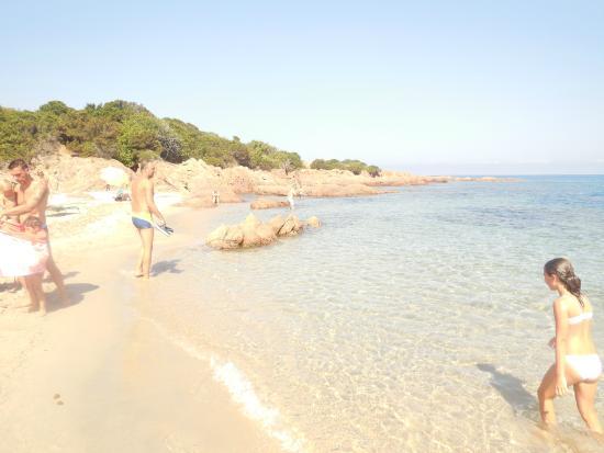 Spiaggia La Marinedda: La Spiaggia tra gli scogli/insenature