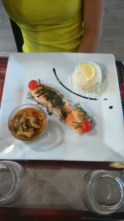 Le Divino : Saumon aux herbes ou sauce vanille