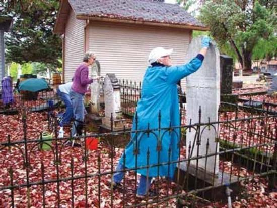 Jacksonville, Орегон: cleaning markers
