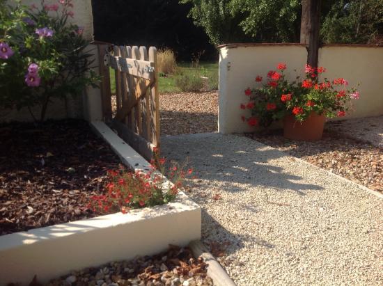 Descartes, فرنسا: Garden gate