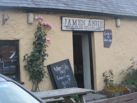 Ashes Pub, Camp, Co Kerry - Dont Pass without popping in
