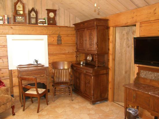 Victor, MT: Cabin Interior