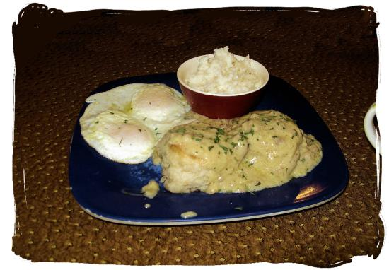 Portobello Diner: Biscuits and gravy