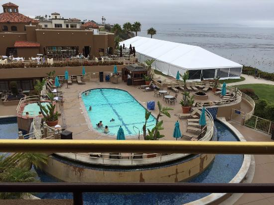 The Cliffs Hotel And Spa Pool Mariposa Restaurant In Center