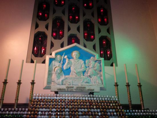 St. Joseph's Oratory of Mount Royal: St. Joseph plaque