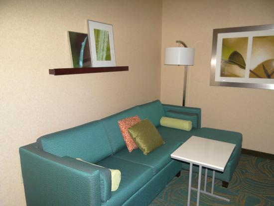 SpringHill Suites Salt Lake City Downtown: Sitting area of suite