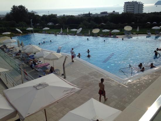 Valamar Lacroma Dubrovnik Hotel: Piscinas