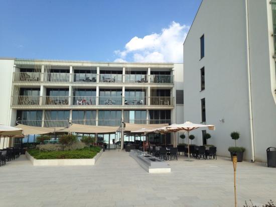Valamar Lacroma Dubrovnik Hotel: Área de acesso às piscinas