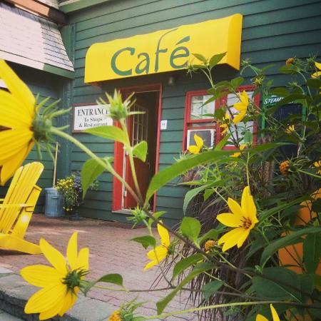 Yellow Canoe Cafe : Yellow Canoe Café