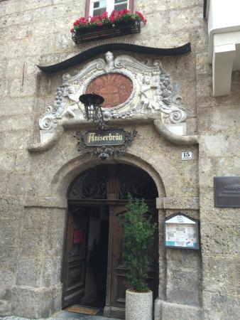 Gasthaus Aniser: l'entrée sur rue-