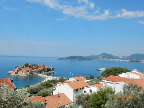 Tours by Milo: Sveti Stefan island