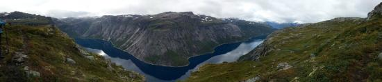 Odda, Norveç: Hiking to Trolltunga