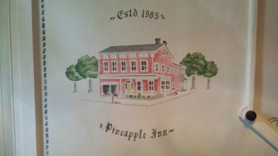 The Pineapple Inn Bed and Breakfast: Wall decoration (inside)