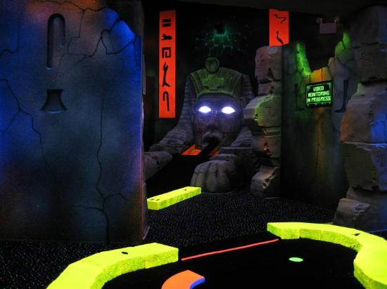 ‪Adventure Quest Laser Tag‬