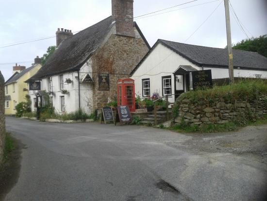 The Crown Inn St Ewe