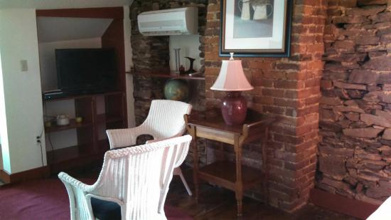 Brafferton Inn: The Loft Suite