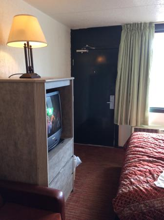 Amber Inn: View of the room.