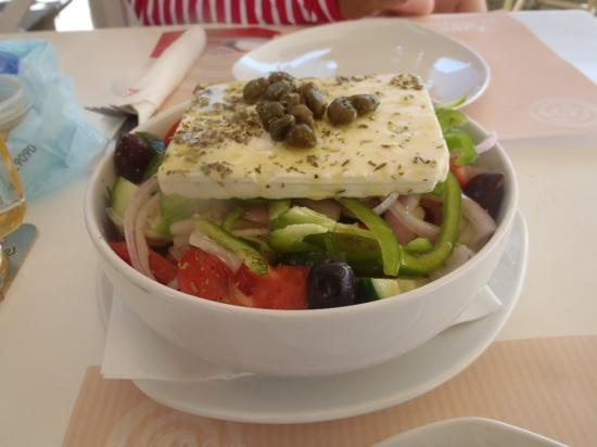 La Plaza: greek salad