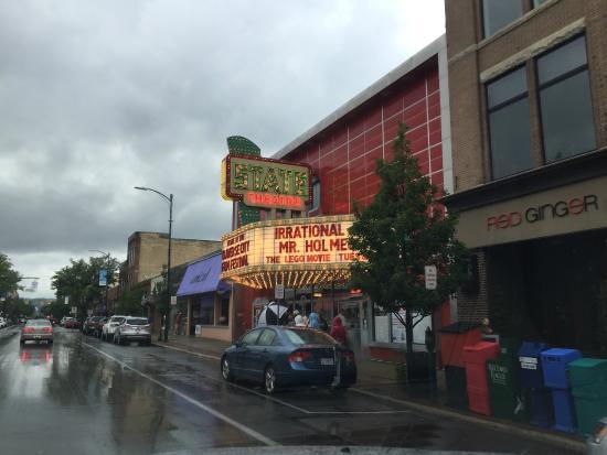State Theatre : Rainy Day --