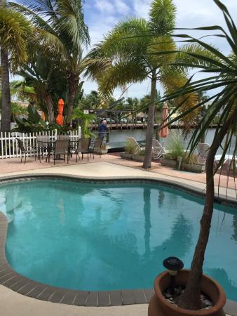 Manatee Bay Inn: Pool