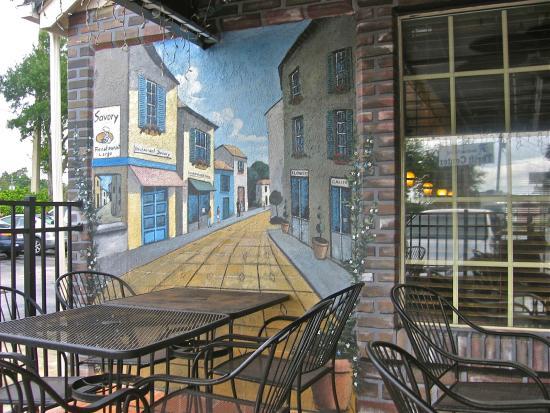 Savory Restaurant: Seating outside
